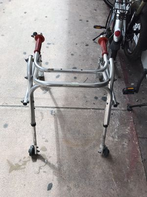 Kid's walker free for Sale in Miami, FL