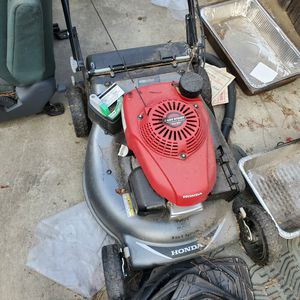honda lawnmower n canister for Sale in Sacramento, CA