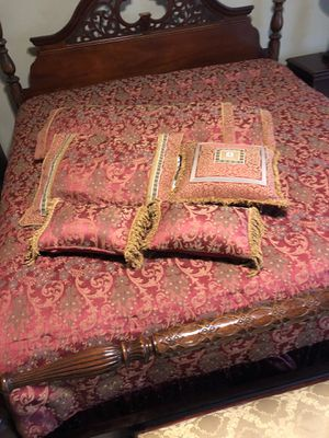 Beautiful bedding set for Sale in Katy, TX