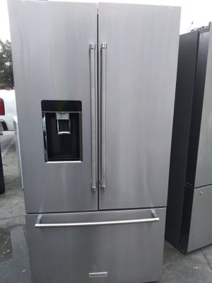 KITCHEN AID REFRIGERATOR COUNTER DEPTH STAINLESS STEEL for Sale in South Pasadena, CA