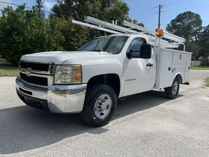 2007 Chevy Silverado utility truck 97,000 miles for Sale in St.Petersburg, FL