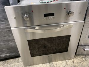 """27"""" viking single oven in stainless steel electric for Sale in Bakersfield, CA"""