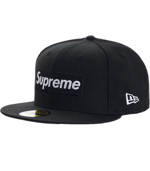 Brand New Supreme World Famous Box Logo hat - Black 7 1/2 for Sale in Austin, TX