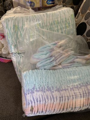 Huggies diapers (bags) size 1 & parents choice size 1 for Sale in Selma, CA