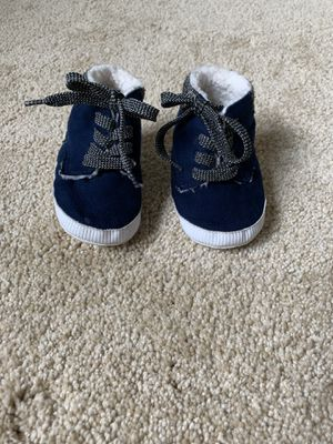 Baby Gap baby shoes size 6-12mos for Sale in Naperville, IL