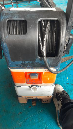 Mighty clean 1800 psi pressure Washer for Sale in Austin, TX