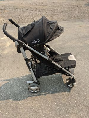 Heavy click connect umbrella stroller for Sale in Hollister, CA