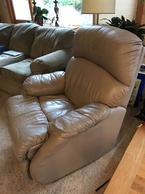 Recliner for Sale in Woodinville, WA