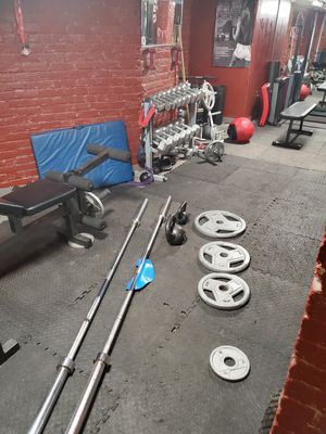 45 Pound Olympic Bar(2) 1 Ez Curl Bar all for $50.00 for Sale in Brooklyn, NY