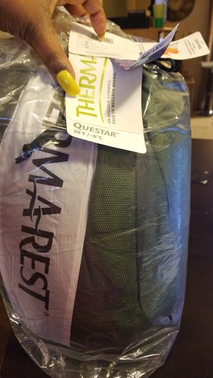 Questar Sleeping Bag: 20 Degree Down - Gemini Green Size Regular for Sale in Washington, DC
