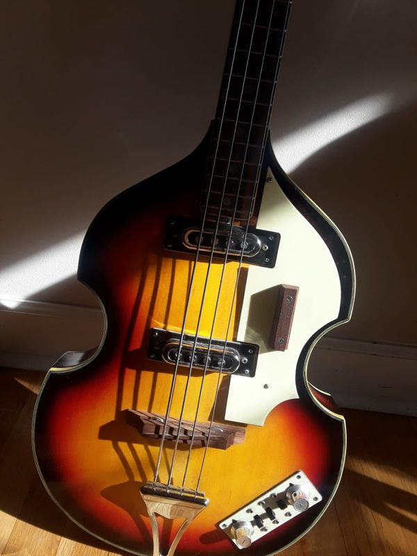 UNIVOX Vintage HI FLYER BASS GUITAR