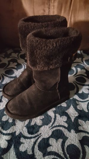 Girls size 2 boots , Black for Sale in Chandler, IN