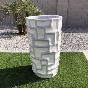 Planter. Pot. Vase. Gardening. Not Plastic!!! Flowers. Plants. Decoration. Garden Decor. for Sale in Goodyear, AZ