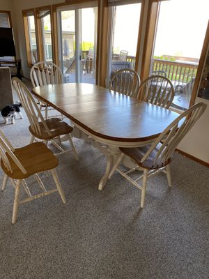 Kitchen dining table with 6 chairs for Sale in Orondo, WA