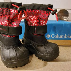 BRAND NEW COLUMBIA SNOWBOOTS TODDLER GIRLS SIZES 5 6 AND 7 for Sale in Portland, OR