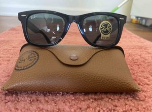 Brand New RayBan Wayfarer Sunglasses for Sale in Santa Monica, CA