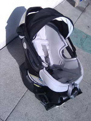 Orbit Baby G3 Infant Car Seat Plus Base, Black for Sale in Lynwood, CA