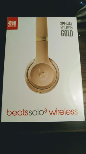 Beats Solo 3 Special Edition Gold Sealed! for Sale in Tampa, FL
