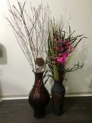 Beautiful vases with fake plants for Sale in Tempe, AZ