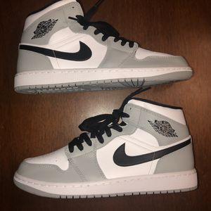 Jordan 1 Mid Smoke Grey size 10 for Sale in Humble, TX