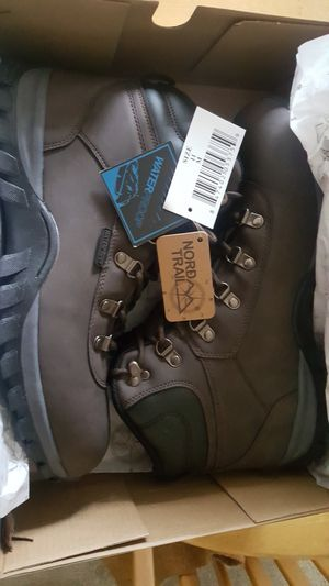NORD TRAIL EDGE WATERPROOF BOOTS SZ11 for Sale in Phoenixville, PA