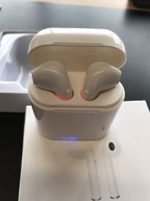 I7s Wireless earbuds for Sale in Houston, TX