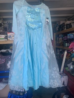 New costume Elsa size 9/10 asking $10 price is firm for Sale in North Las Vegas, NV