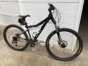 Mountain bike for Sale in Lawrenceville, GA
