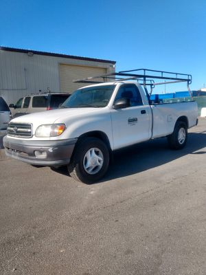 2000 TOYOTA TUNDRA* TRANSMISSION STANDARD* CLEAN TITLE* 180000 MILES* SINGLE CAB* A/C WORKS GOOD* IT RUNS AND DRIVES GOOD* SE HABLA ESPAÑOL* for Sale in Las Vegas, NV