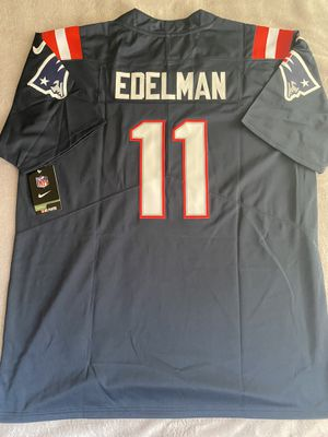 Julian Edelman New England Patriots Blue Jersey New W/Tags Size XL for Sale in San Diego, CA