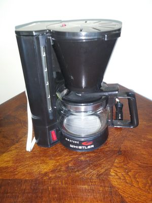 Coffee Maker 5 cup works in car for Sale in Raleigh, NC