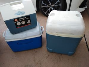 Fishing cooler for Sale in Pembroke Pines, FL