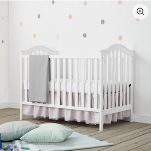 Baby Relax Adelyn 2-in-1 Convertible Crib, White for Sale in Cherry Hill, NJ