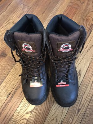 Men's working boots, size 9 for Sale in Cleveland, OH