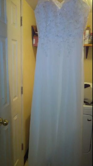 BEAUTIFUL WEDDING DRESS for Sale in Vancouver, WA