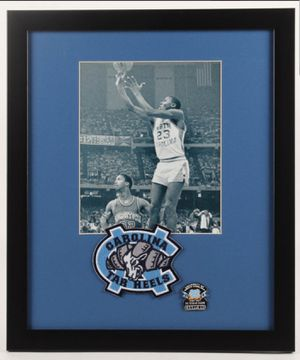 MICHAEL JORDAN FRAMED PICTURE for Sale in Wichita, KS