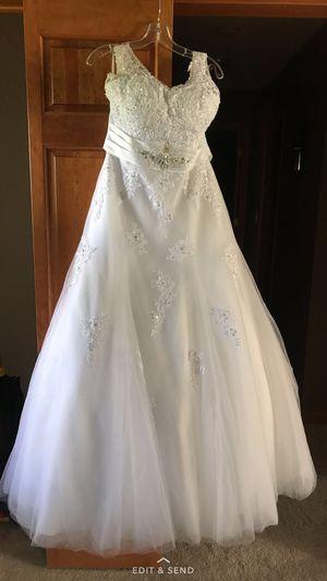 Beautiful Size 14 Wedding Dress for Sale in Monongahela, PA