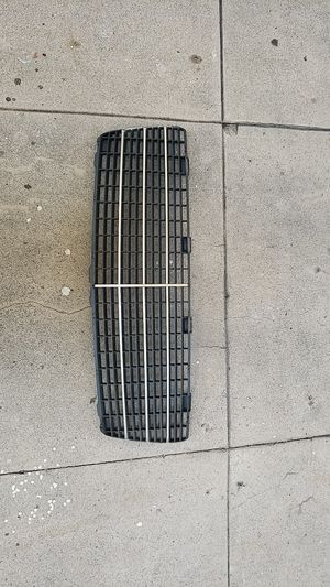 Mercedes Benz grille for Sale in Los Angeles, CA