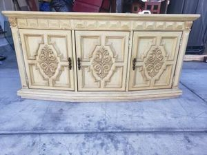 Wood hall table for Sale in Las Vegas, NV