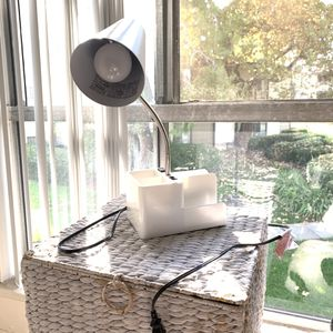 White desk lamp for Sale in Rancho Cucamonga, CA