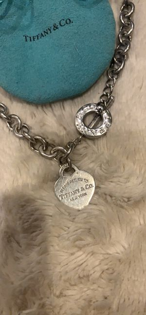 Tiffany & co necklace for Sale in Menifee, CA