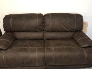 Leather sofa. for Sale in West Palm Beach, FL