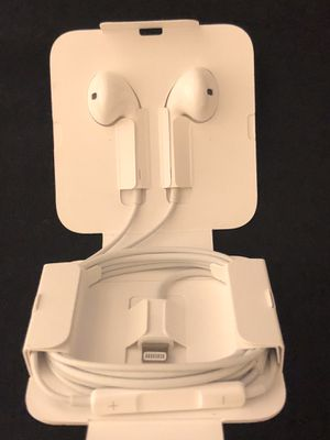 iPhone Lightning Earpod Headphones 7 8 X for Sale in Phoenix, AZ