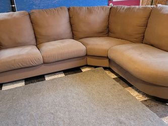 Very Nice Sectional Couch for Sale in Issaquah,  WA
