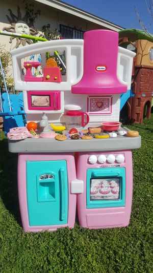 Little tikes play kitchen with accessories for Sale in Glendale, AZ