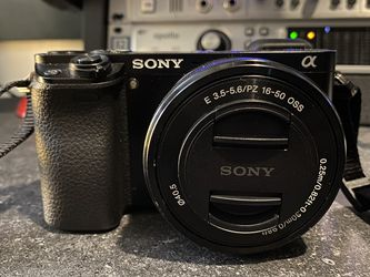 Sony 6000 Camera for Sale in Reynoldsburg,  OH