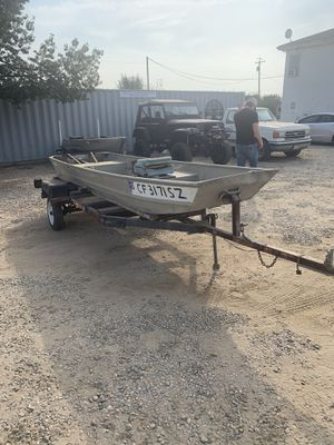 14ft Jon boat for Sale in Reedley, CA
