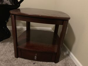 Couch end table for Sale in Clovis, CA