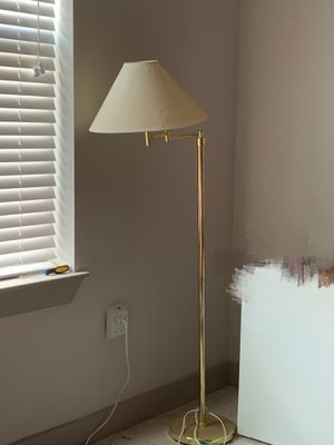 $10 floor lamp for Sale in Durham, NC