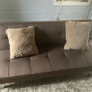 MOVE OUT SALE ( WAYFAIR FUTON COUCH) for Sale in The Bronx, NY
